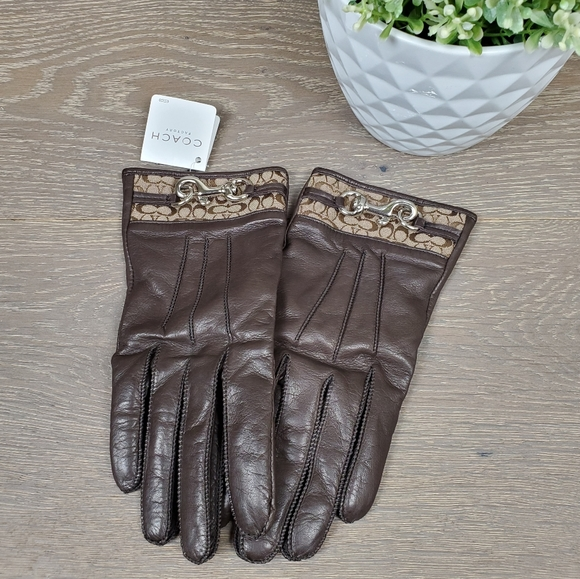 NWT Coach Brown Leather gloves